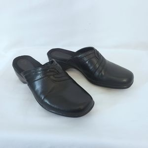 Earth Origins Leather Peggy Slip On Clogs 8.5 M